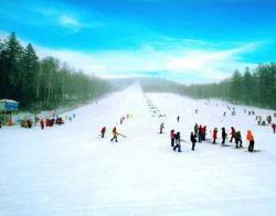 净月潭滑雪场景点介绍