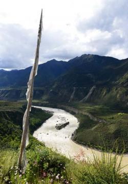 雅鲁藏布大峡谷景点介绍